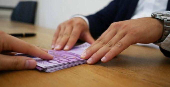 Offro Prestiti a Privati: Ecco Come Scegliere l'Offerta Giusta